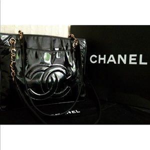 Auth CHANEL Leather CC Logo & Gold Handbag Purse